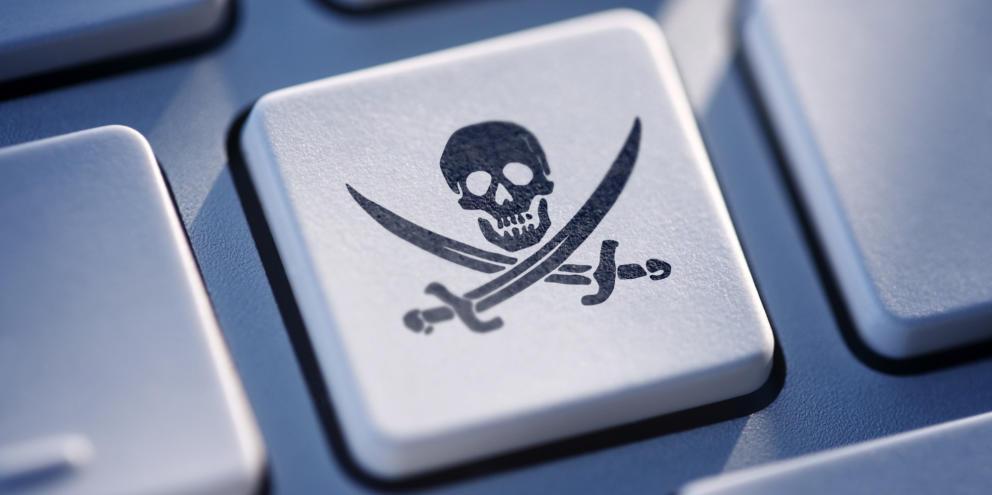 Delitos Informáticos. 18.- Descargas Ilegales como Delito en el Código Penal español.